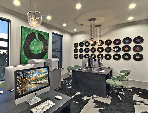 Business Center at Listing #151492