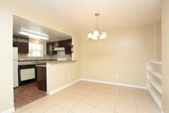 Dining/Kitchen at Listing #139762