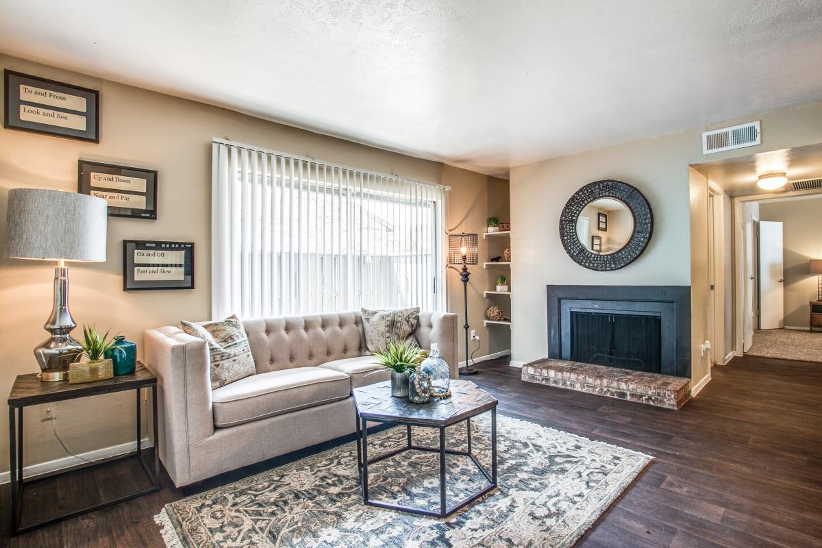 Living Room at Listing #136504