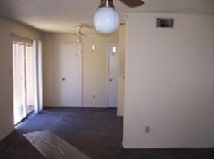 Dining Area at Listing #139152
