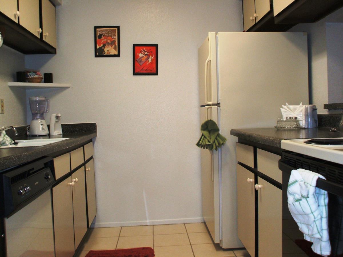 Kitchen at Listing #139910