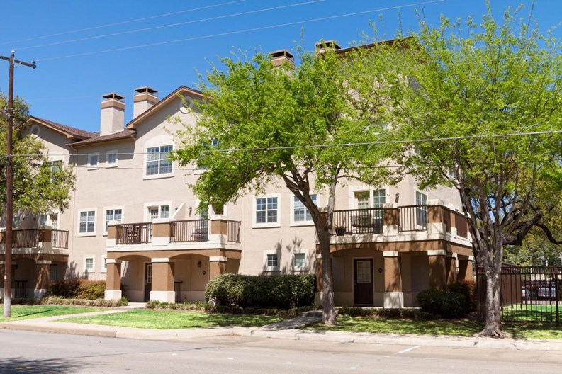 Monticello Oaks Townhomes