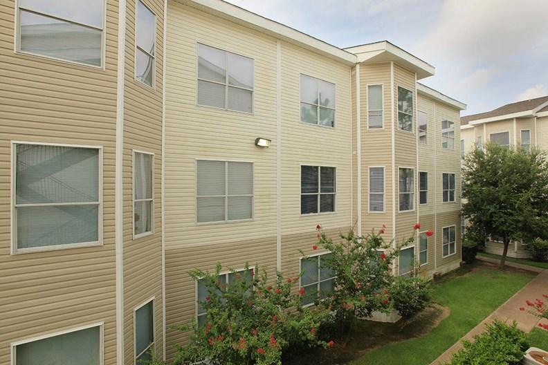 Concord at Williamcrest Apartments