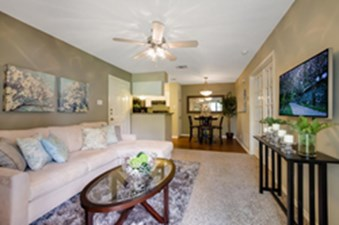 Living Area at Listing #140942