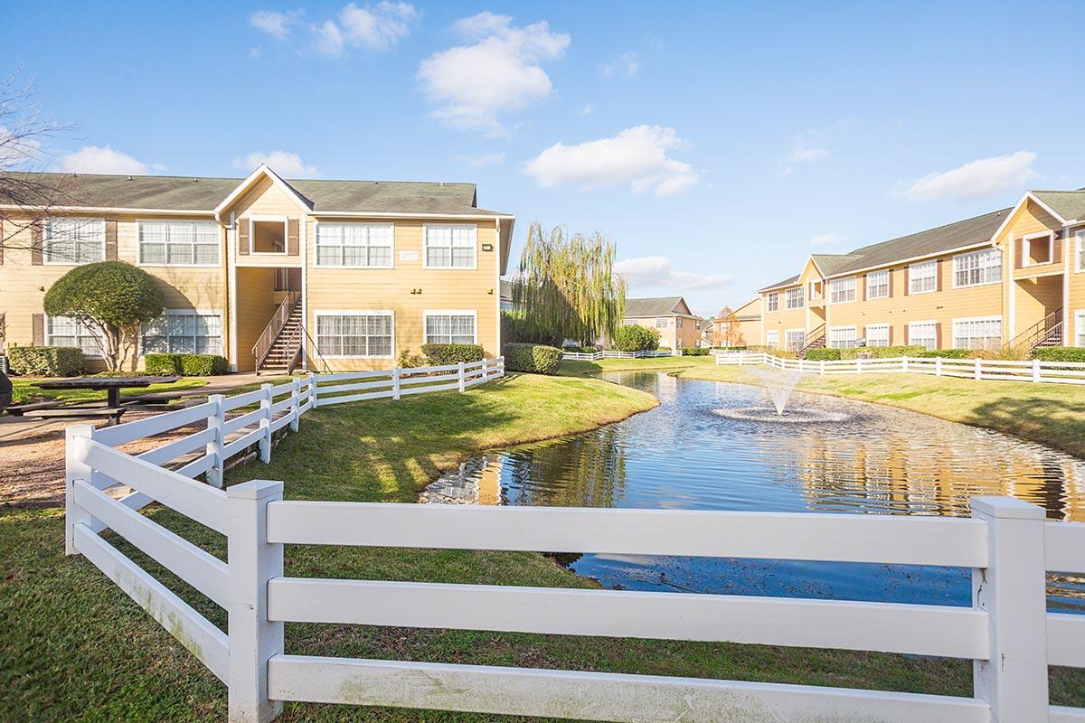 Willow Lake Apartments Katy, TX