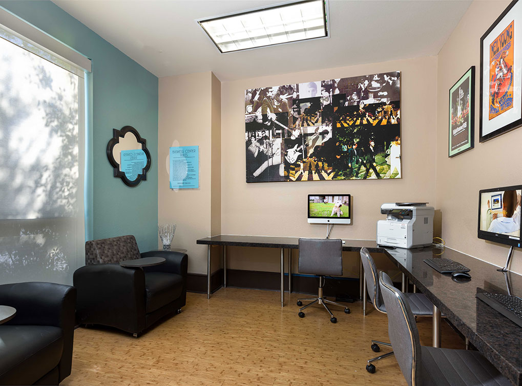 Business Center at Listing #144939