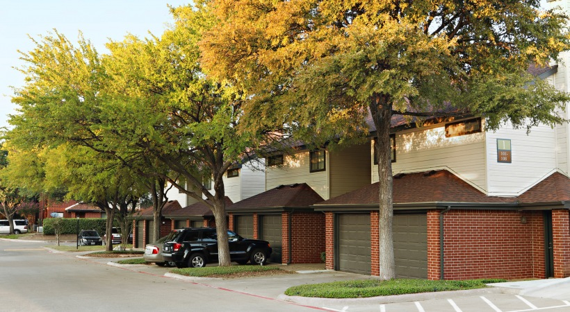 Exterior at Listing #136547