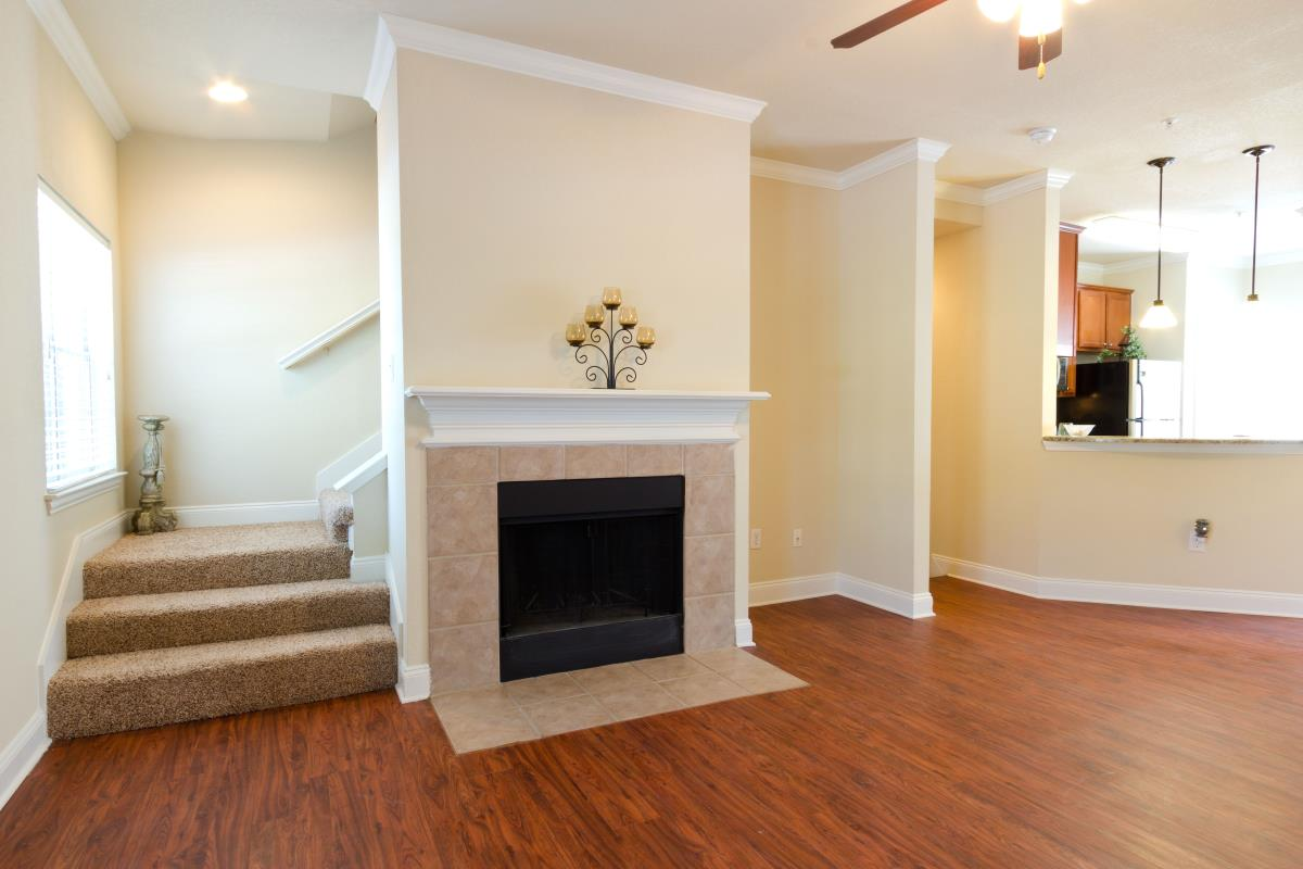 Living at Listing #137940