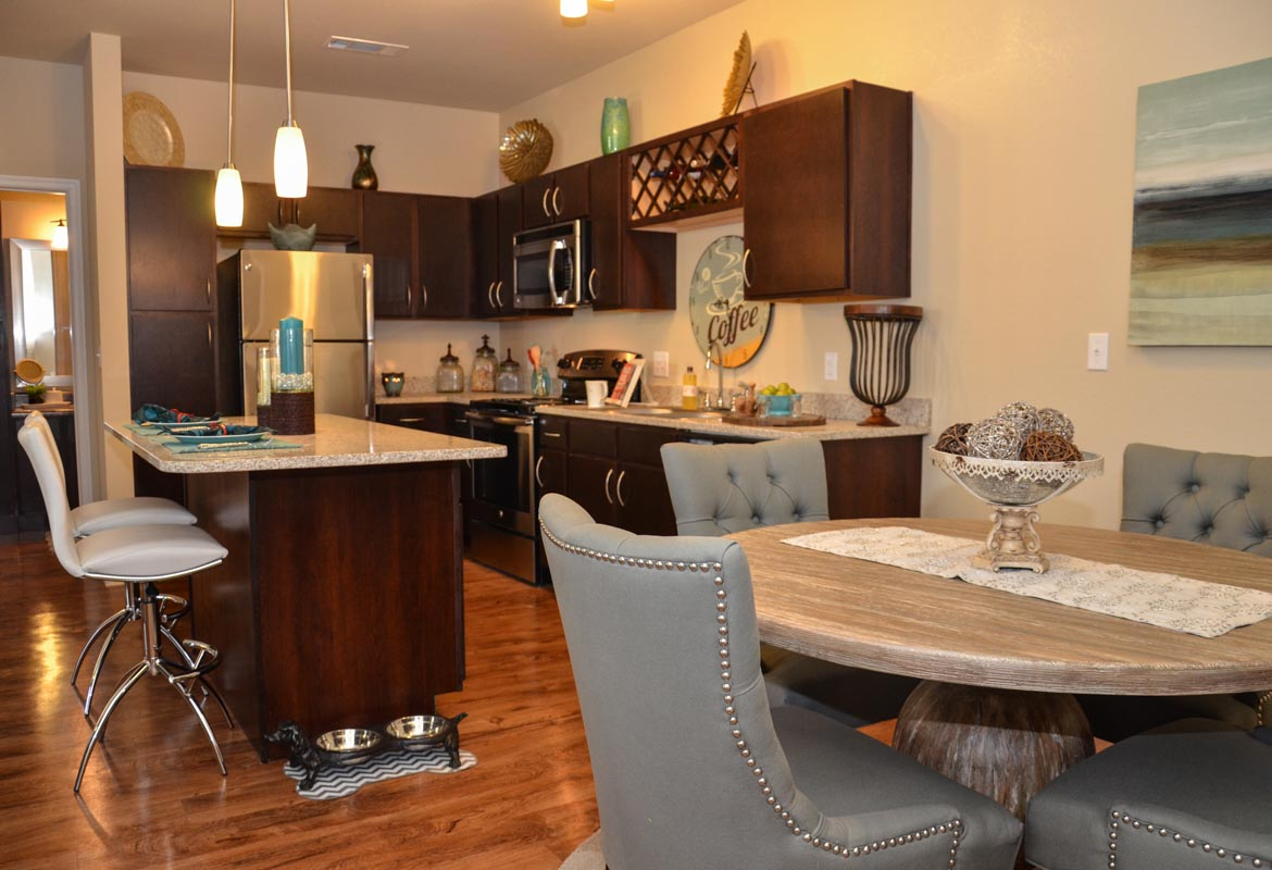 Dining/Kitchen at Listing #290085