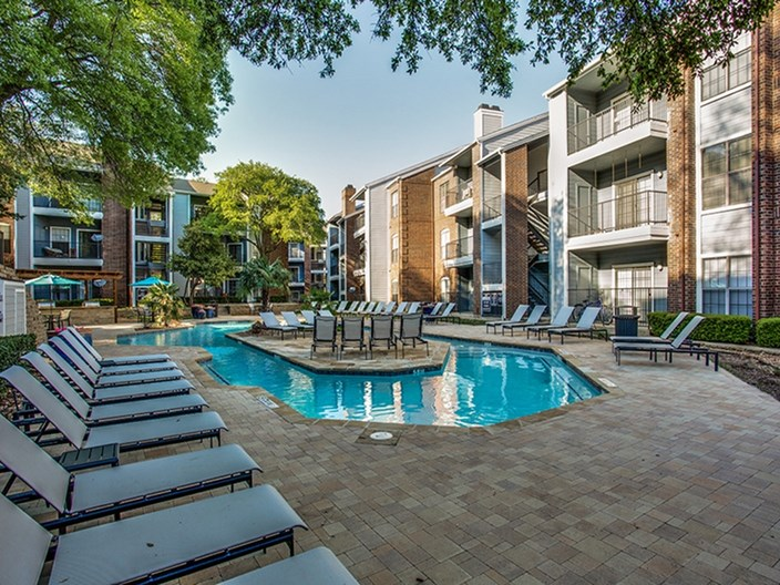 Hyde Park at Valley Ranch Apartments
