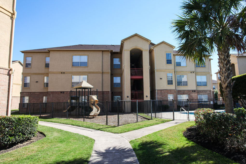 Exterior at Listing #144506