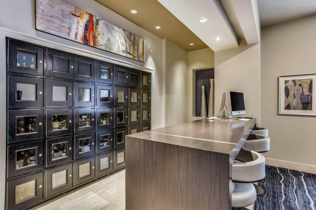 Package Station at Listing #147732