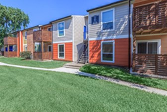 Exterior at Listing #139007