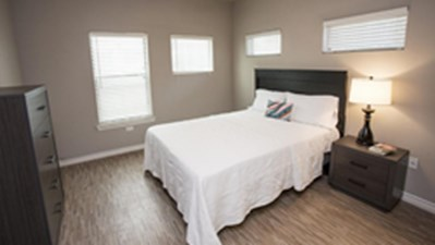 Bedroom at Listing #306681