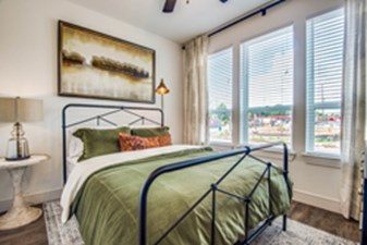 Bedroom at Listing #310361