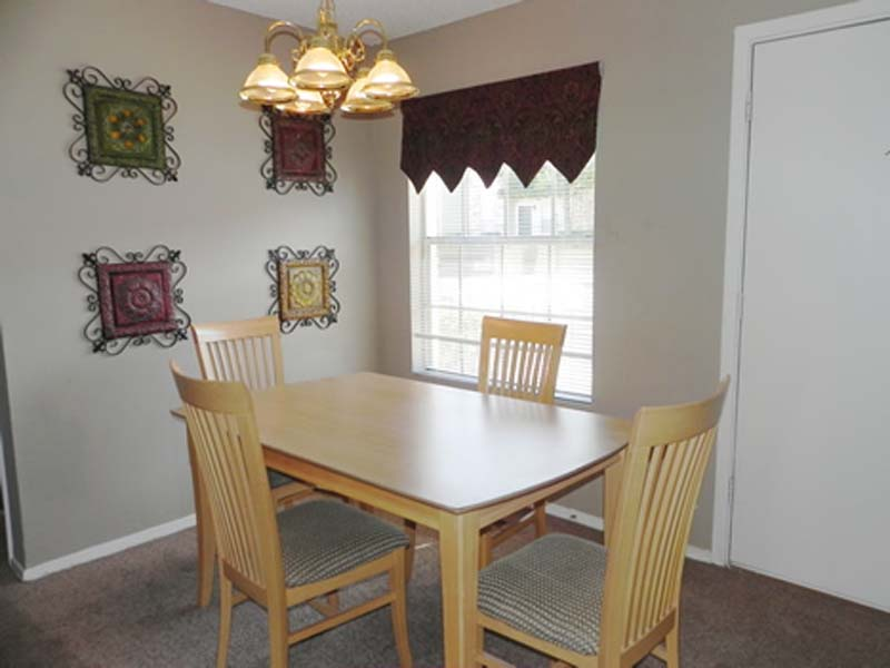 Dining at Listing #137105