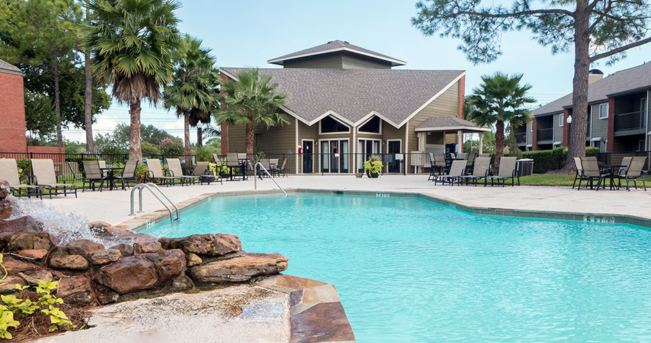 Pool at Listing #138277