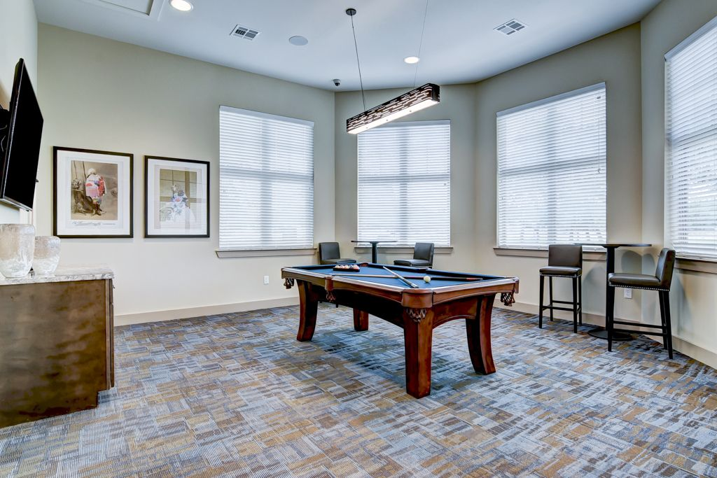 Gameroom at Listing #295326