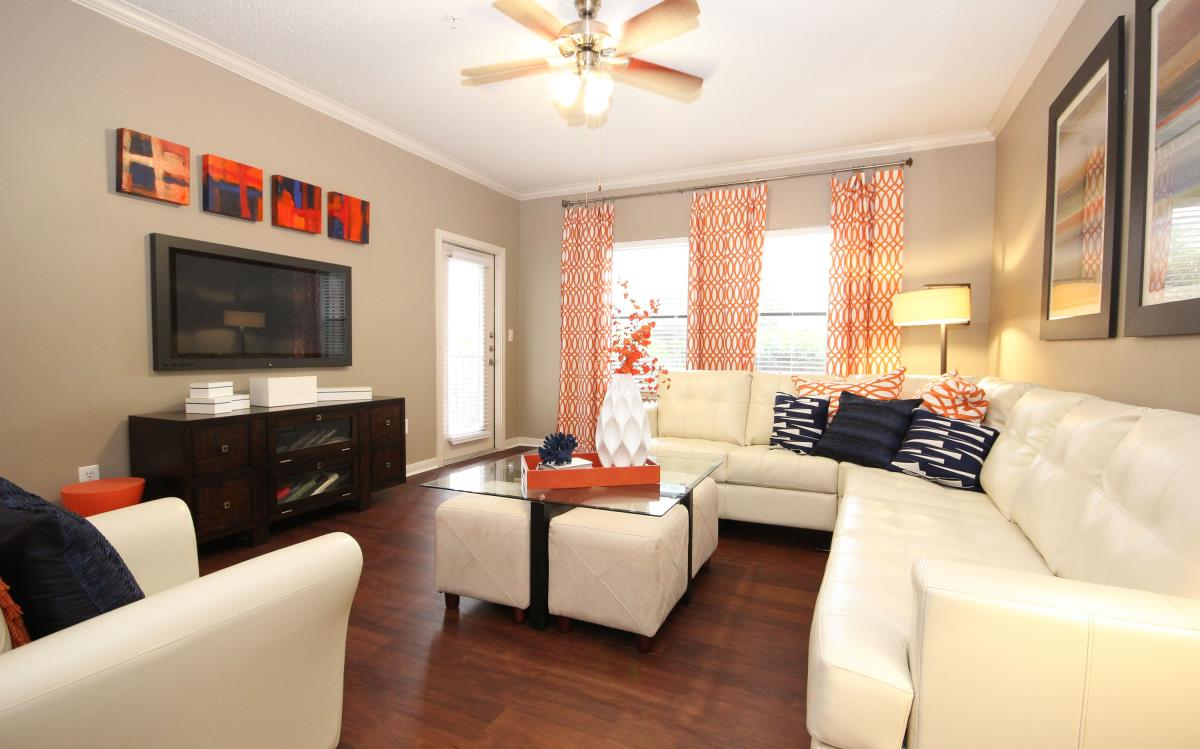 Living at Listing #144200