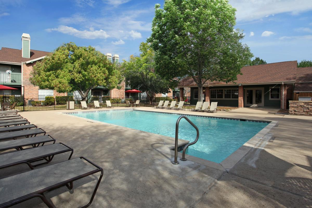 Pool at Listing #140268