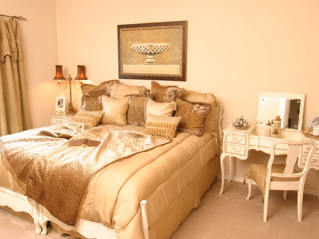 Bedroom at Listing #144570