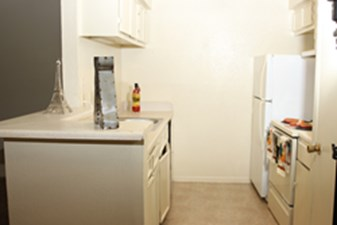 Kitchen at Listing #139064