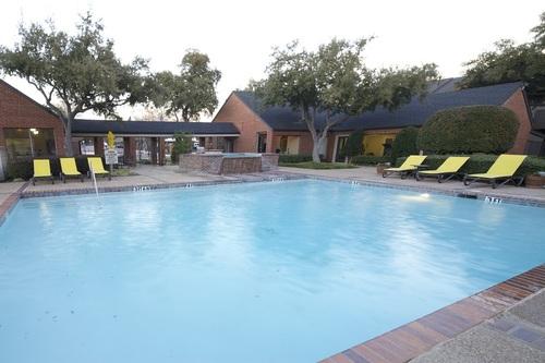 Pool at Listing #136073