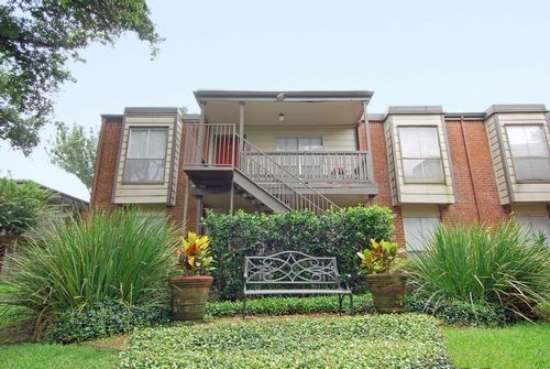 Exterior at Listing #138815
