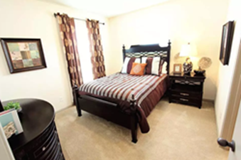 Bedroom at Listing #144931