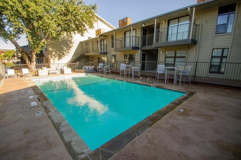 Pool at Listing #136677