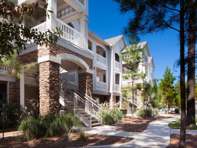 Lodge at Spring Shadows Apartments Houston, TX