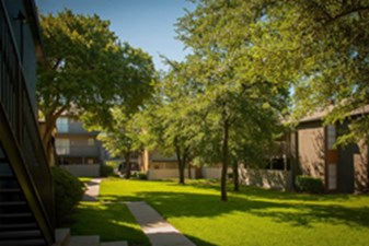 Courtyard at Listing #136552