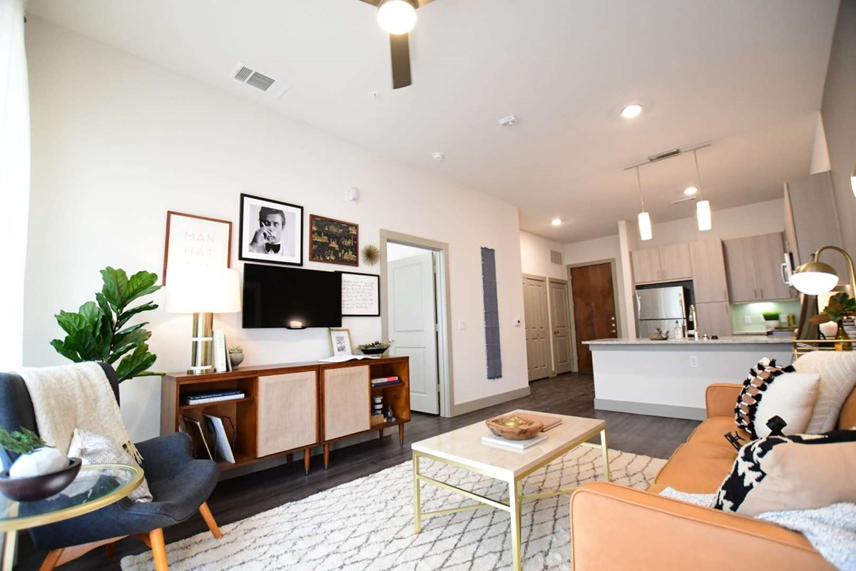 Living at Listing #302218