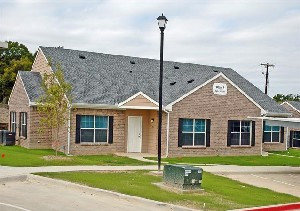 Exterior 2 at Listing #144953