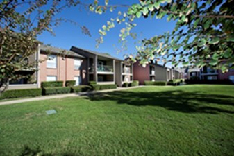 Exterior at Listing #139984