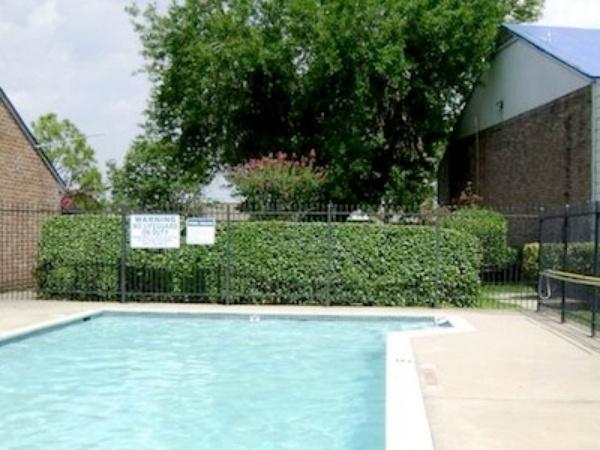Pool at Listing #139570