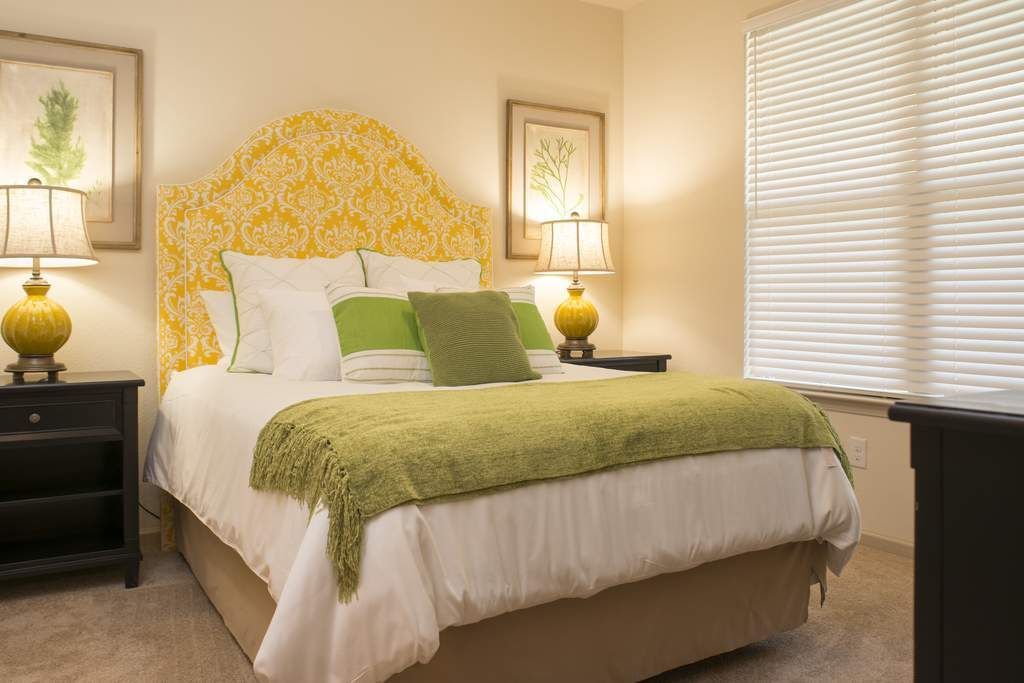 Bedroom at Listing #276718