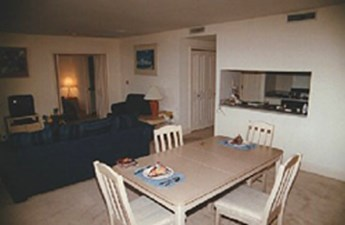 Dining at Listing #141331