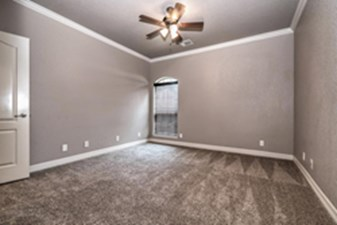 Bedroom at Listing #239467