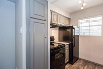 Kitchen at Listing #138820