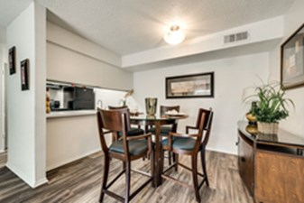Dining at Listing #136275
