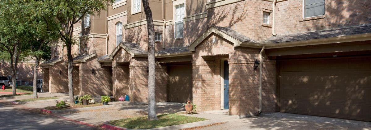 Exterior at Listing #137626