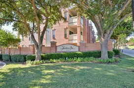 Turnberry Isle Apartments Dallas TX