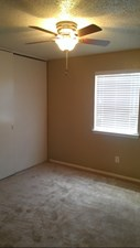 Bedroom at Listing #137100