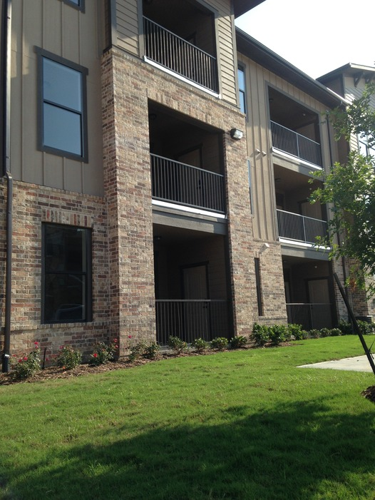 Exterior at Listing #276883