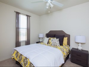 Bedroom at Listing #266673