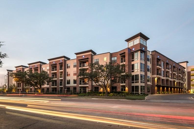 2626 Fountain View Apartments