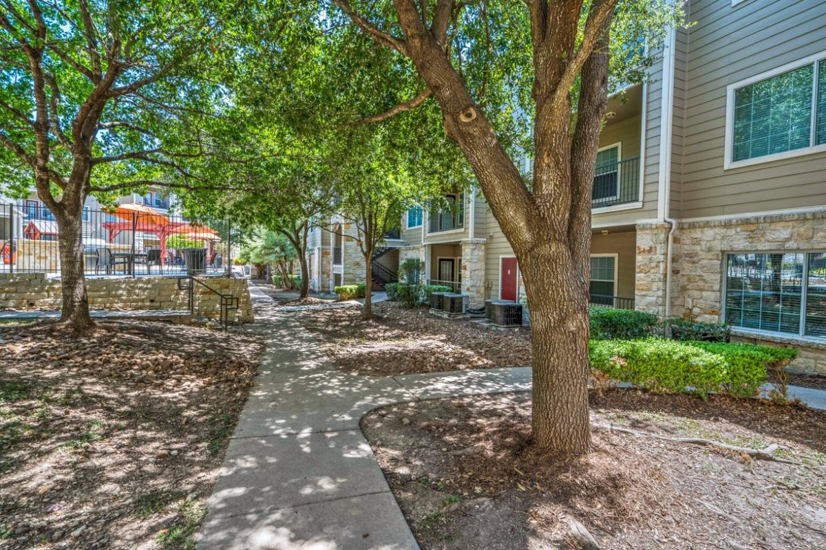 Courtyard at Listing #140757