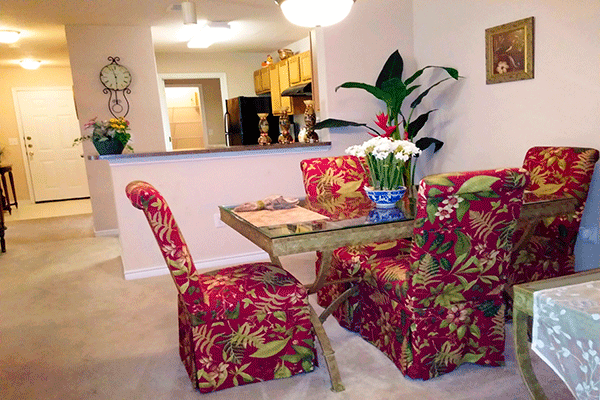 Dining at Listing #144231