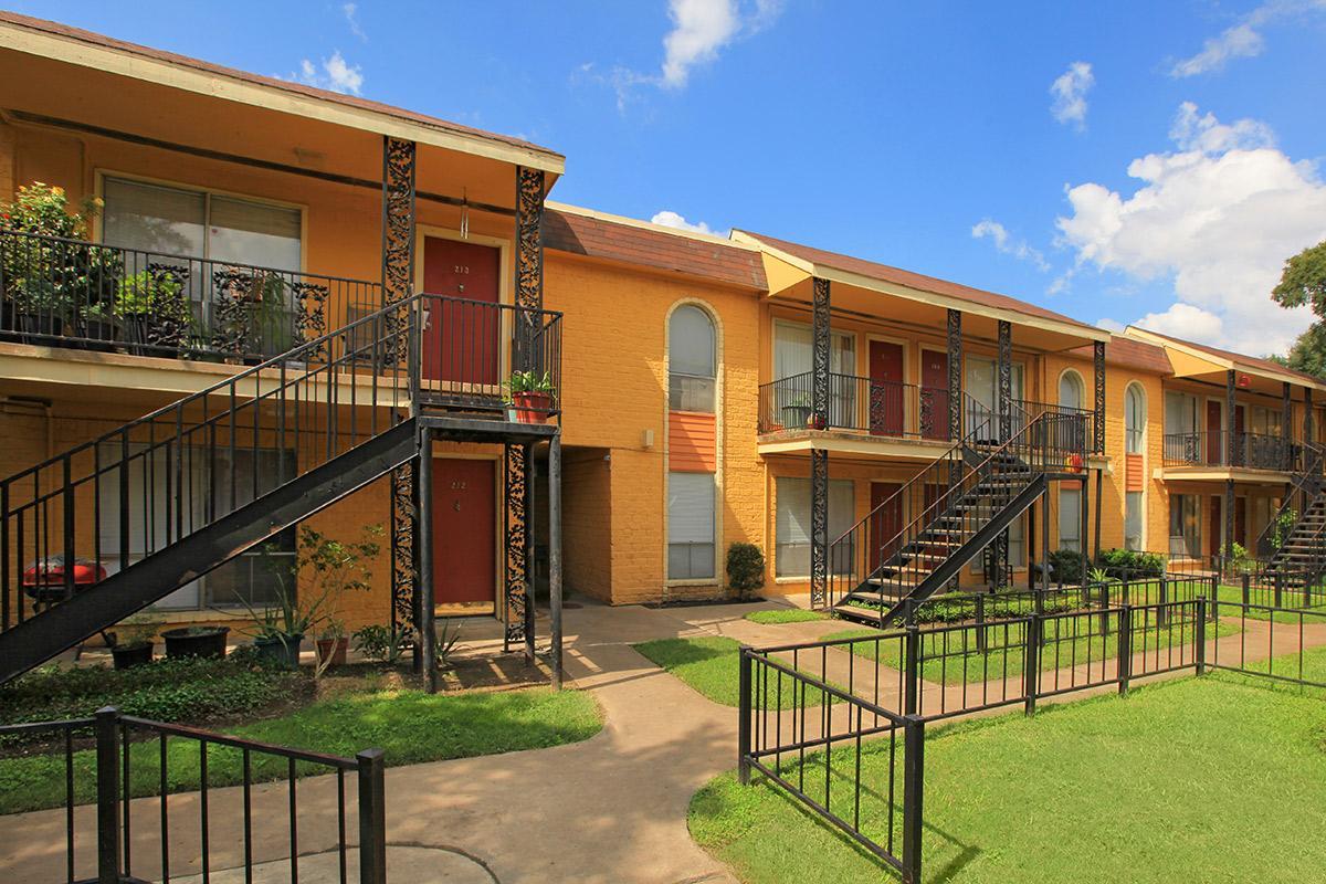 Plaza Del Sol ApartmentsHoustonTX
